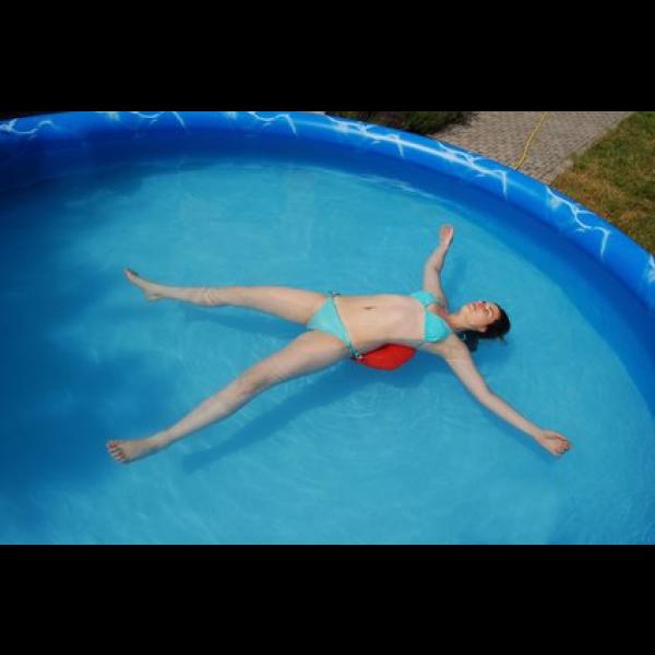 La piscine gonflable le type de piscine le moins cher for Piscine prefabriquee