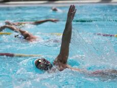 10 avantages à nager en club