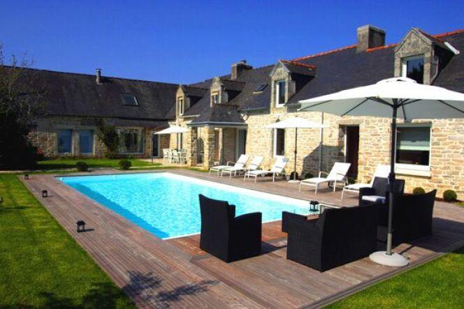 """10 bonnes raisons d'acheter une piscine <span class=""""normal italic petit"""">© L'Esprit Piscine</span>"""