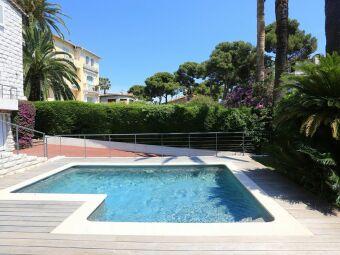 10 bonnes raisons d'installer une mini piscine dans son jardin