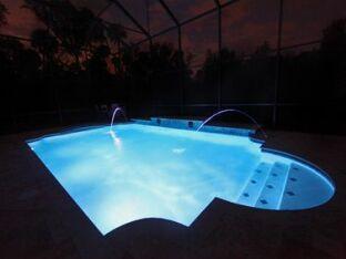 10 erreurs à éviter avec l'éclairage d'une piscine