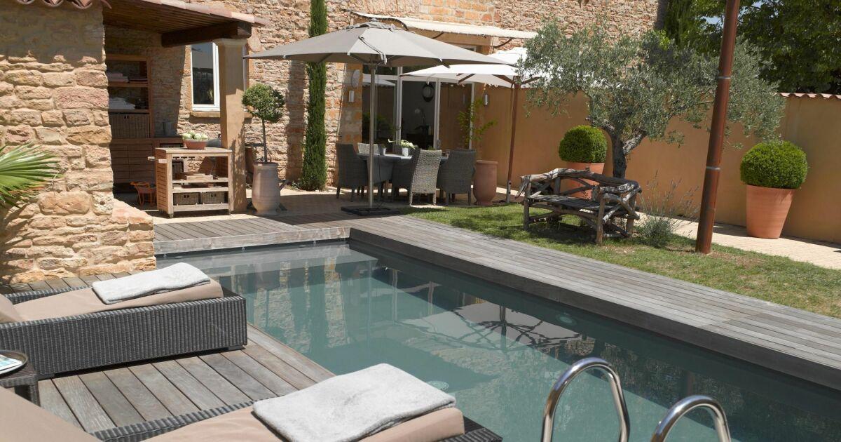 10 id es pour embellir votre coin piscine for Simulateur jardin