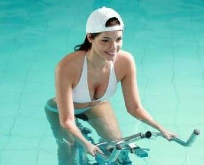 """10 raisons de commencer l'aquabike à la rentrée<span class=""""normal italic petit"""">DR</span>"""