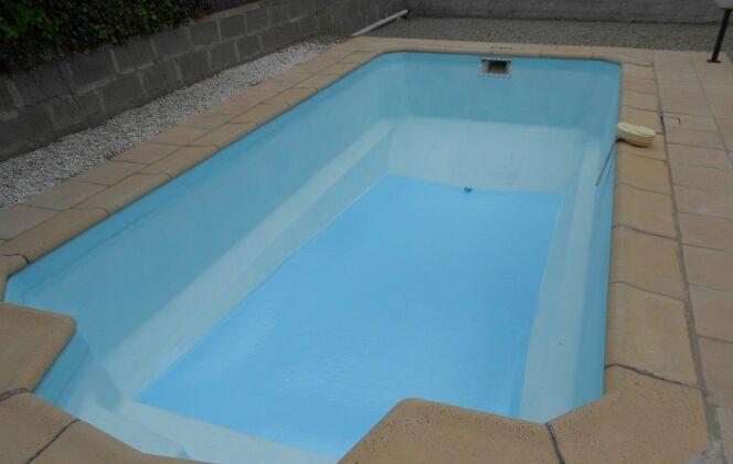 rénovation du fond de la piscine © SF Polyester