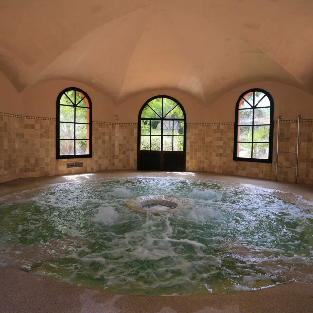 Le spa intérieur vous permet de profiter de ses bénéfices toute l'année