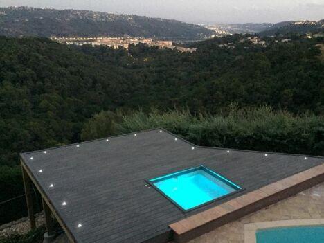 SPA béton, carrelage; Terrasse en bois, éclairage