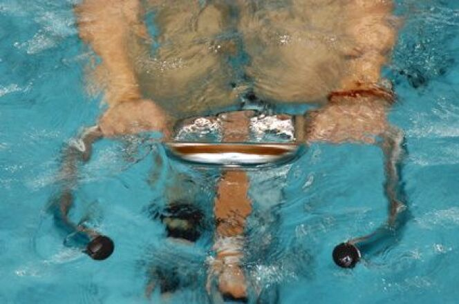 """5 bonnes raisons de se mettre à l'aquabiking<span class=""""normal italic petit"""">© Paolo Rizzi - Fotolia.com</span>"""