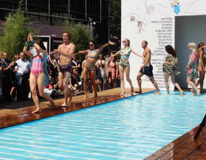 """5 tendances maillots de bain 2014 à adopter dès maintenant<span class=""""normal italic petit"""">© www.guide-piscine.fr</span>"""