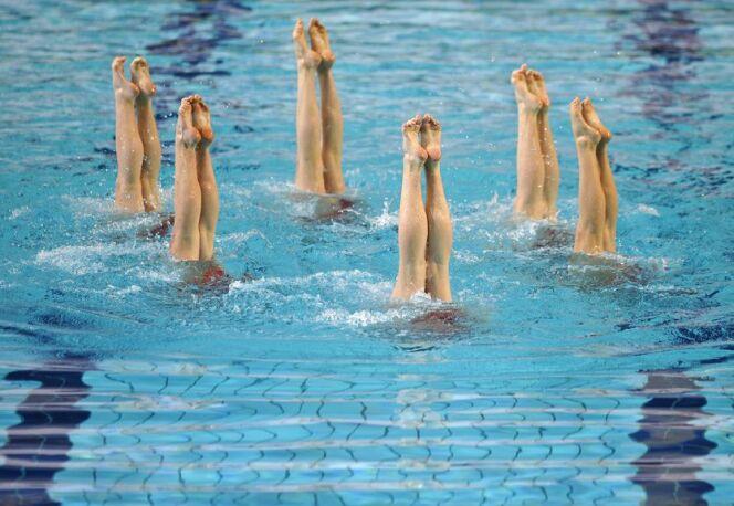 """6 figures de natation synchronisée faciles à apprendre<span class=""""normal italic petit"""">© karaboux - Fotolia.com</span>"""