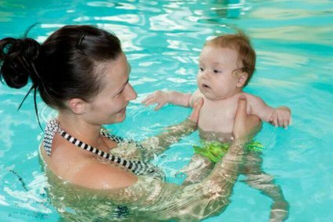"""8 raisons d'inscrire votre enfant aux bébés nageurs<span class=""""normal italic petit"""">DR</span>"""