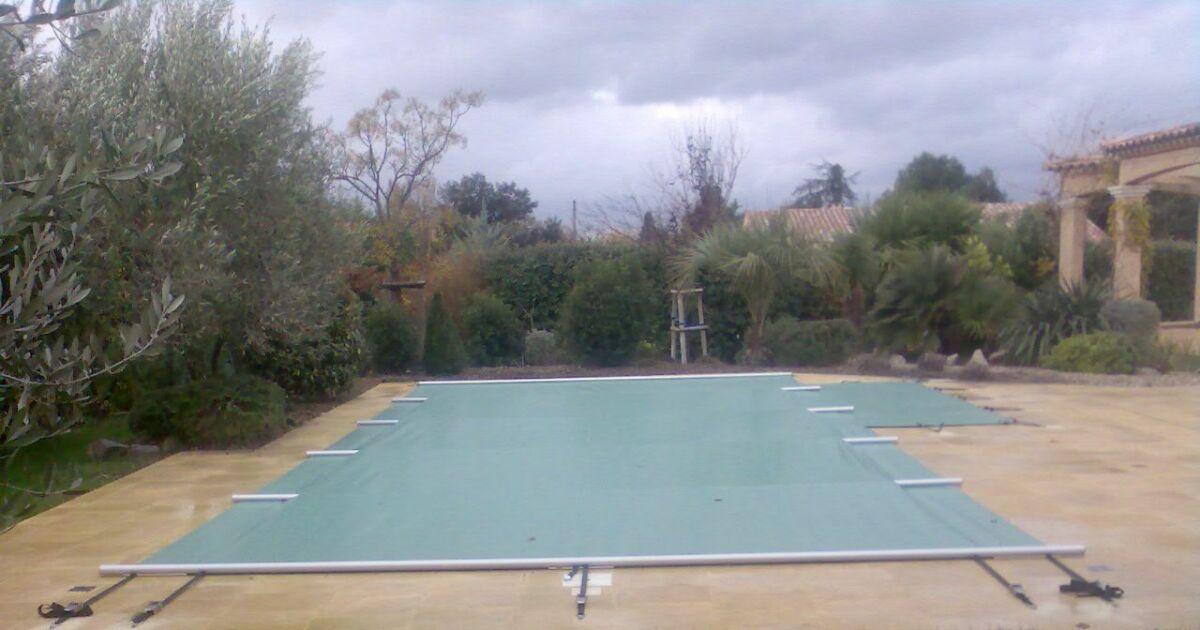 Piscine pos id 39 eau uz s pisciniste gard 30 for Construction piscine uzes