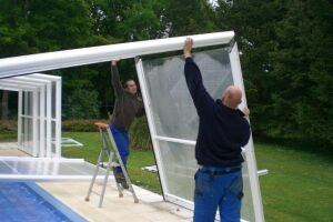 Installation d'un abri de piscine