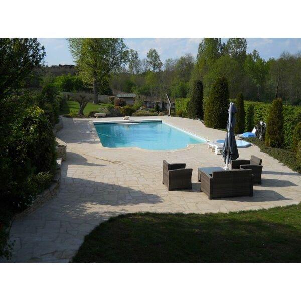 Monreal piscines dugain montier en der pisciniste for Piscines dugain