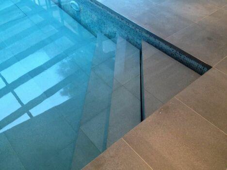 #BassinAmovible  Hidden Pool piscine avec escalier escamotable d'angle de trois marches