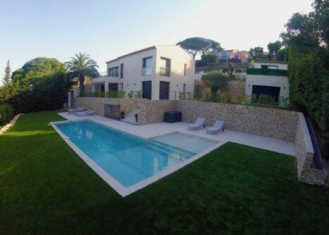 Photo entretien de piscine à Saint-Tropez