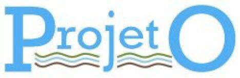 "Projet O logo<span class=""normal italic petit"">DR</span>"