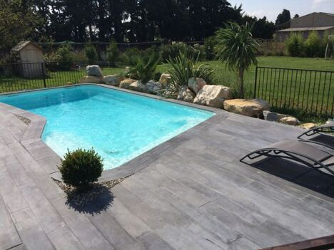 piscine roc de france noves pisciniste bouches du rh ne 13. Black Bedroom Furniture Sets. Home Design Ideas