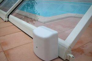 Motorisation d'un abri de piscine