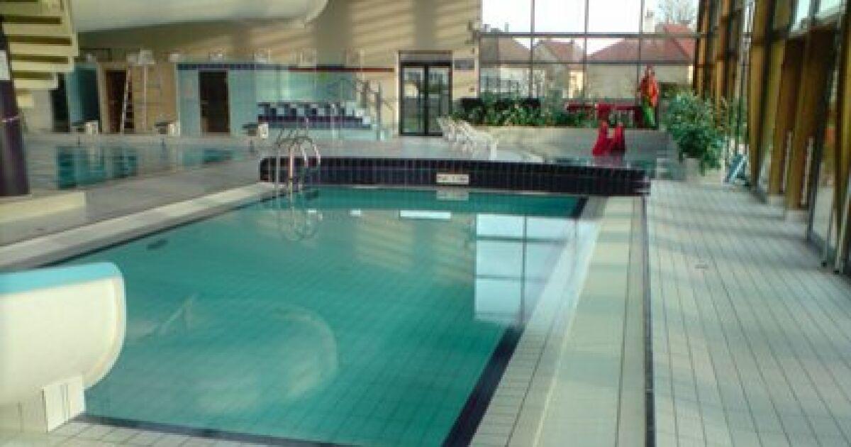 Piscine atlantis formerie horaires tarifs et photos - Horaire de la piscine de falaise ...