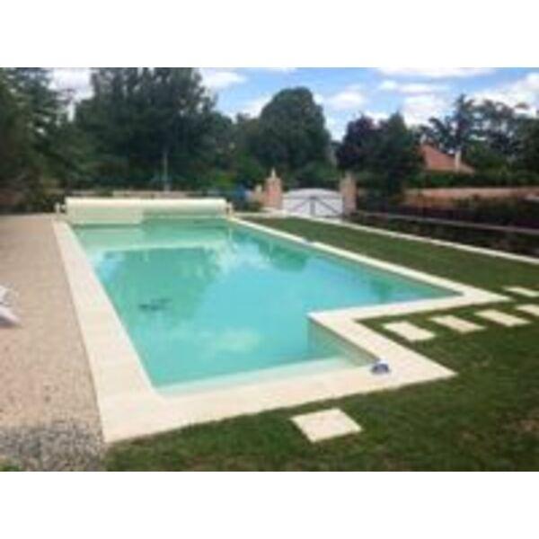 Piscine h2o carquefou for Construction piscine 44