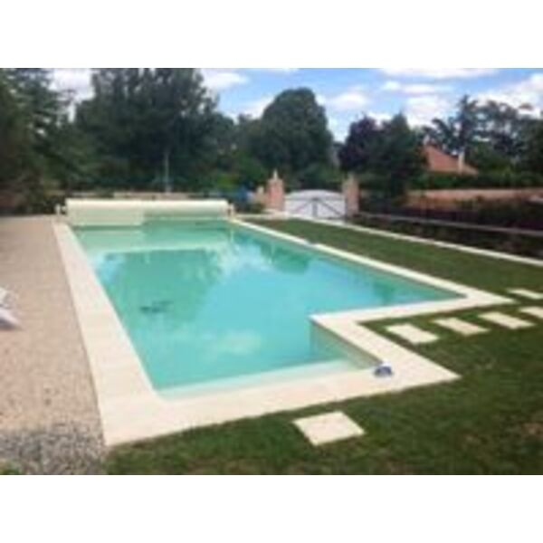 Piscine h2o carquefou for Accessoire piscine 44