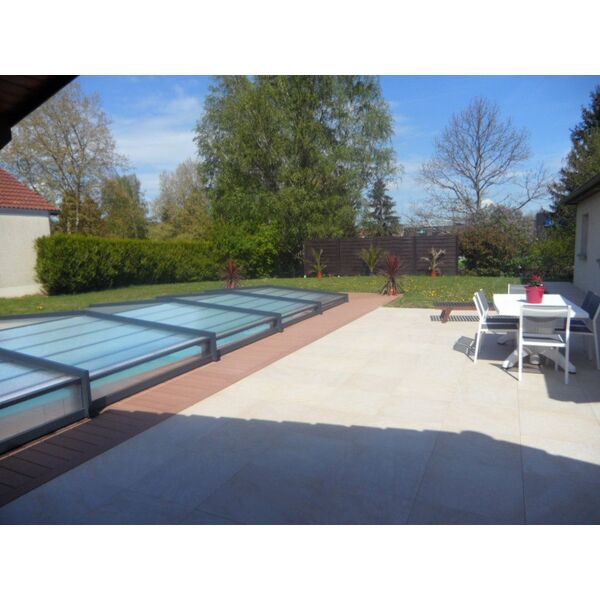 Piscine julien travaux paysagers mamirolle pisciniste for Piscine julien