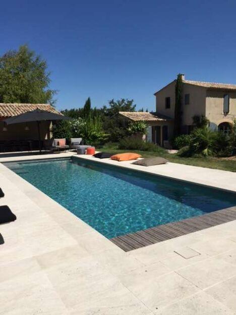 piscine plan te eau services venelles pisciniste. Black Bedroom Furniture Sets. Home Design Ideas