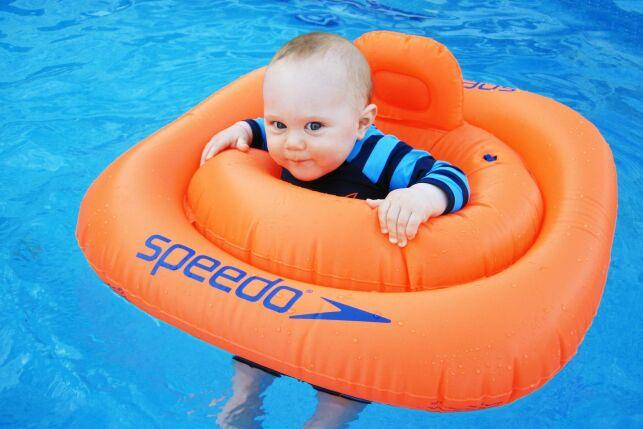 A partir de quel âge bébé peut-il se baigner ?