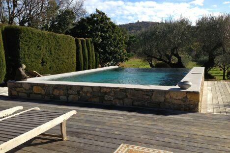 Service d' entretien de piscines dans le golfe de Saint Tropez