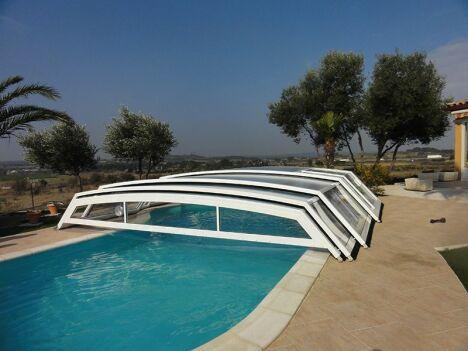 abri bas télescopique pour piscine vue