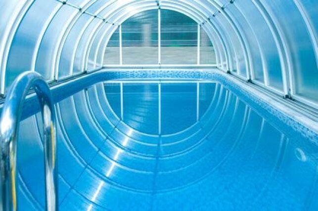 Abri de piscine anse de panier