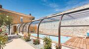 L'abri de piscine haut, pour une piscine intérieure