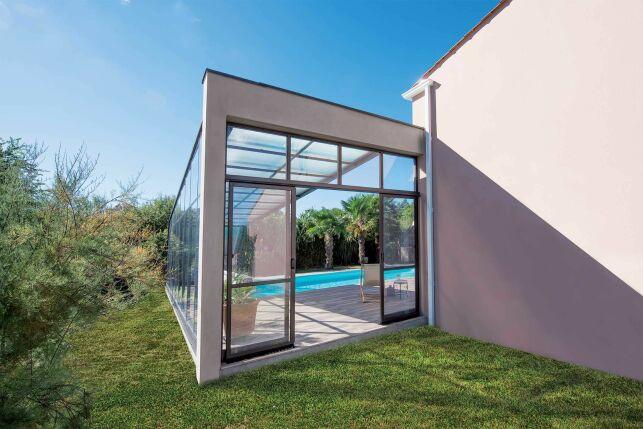 Abri de piscine avec porte coulissante 2 vantaux