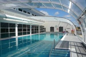 Abri de piscine banne Arqualand