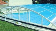 Abri de piscine bas télescopique cintré Clivia de Sokool