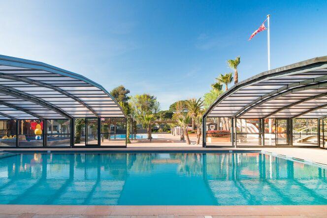 Abri de piscine collectivités - Camping Les Sablons - Portiragnes 34