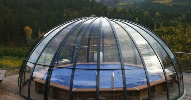 Abri de piscine dôme