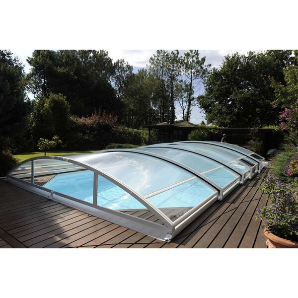 L 39 abri de piscine en aluminium une solution esth tique for Abri de piscine inconvenient