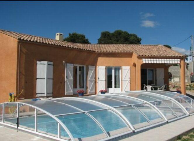 reportage photos abris de piscines en aluminium abri de piscine en aluminium sun abri photo 3. Black Bedroom Furniture Sets. Home Design Ideas
