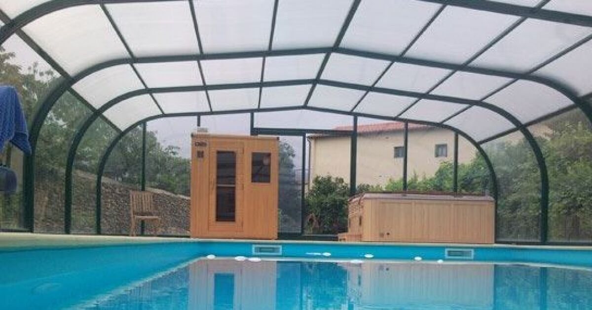 galerie photos d 39 abris de piscine hauts abri de piscine. Black Bedroom Furniture Sets. Home Design Ideas