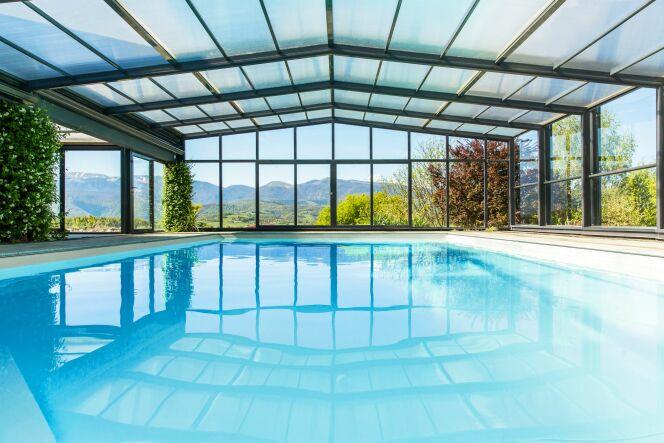 Abri de piscine haut 3 angles Maestro - Abri Télescopique sur mesure