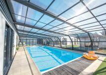 Abri de piscine ou volet roulant : lequel choisir ?
