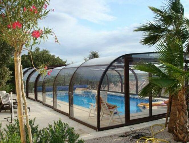 Abri de piscine haut en aluminium Sun Abris© Sun Abris