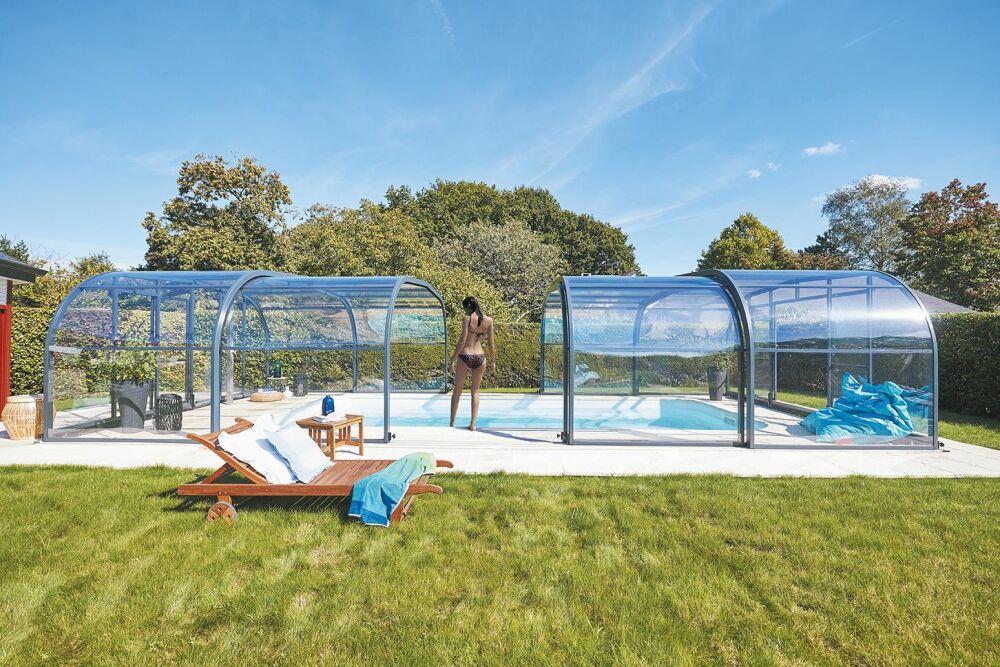 Abri de piscine haut télescopique par Abris de Piscine Rideau© Abris de Piscine Rideau