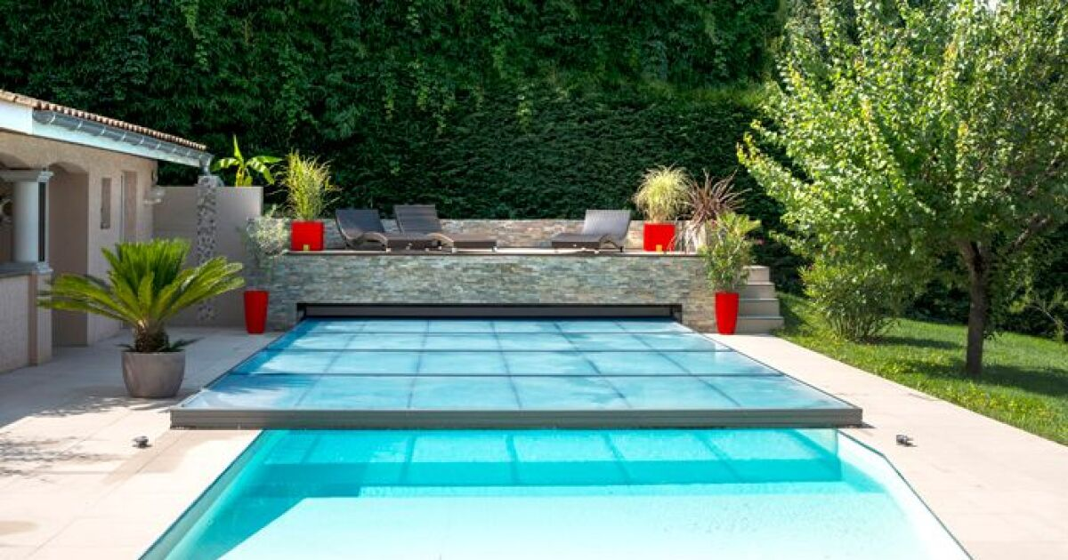 eusa awards les laur ats des prix europ ens de la piscine 2016 abri de piscine m daille d. Black Bedroom Furniture Sets. Home Design Ideas