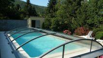 Zoom sur Azenco, votre partenaire de l'abri de piscine