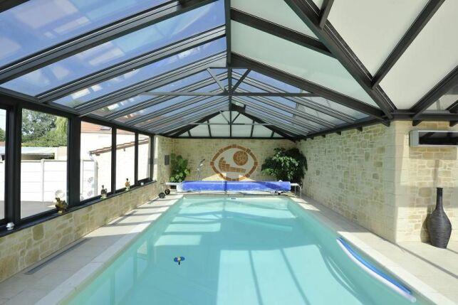 Abri de piscine mural