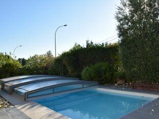 La gamme d'abris de piscine télescopique bas Néo