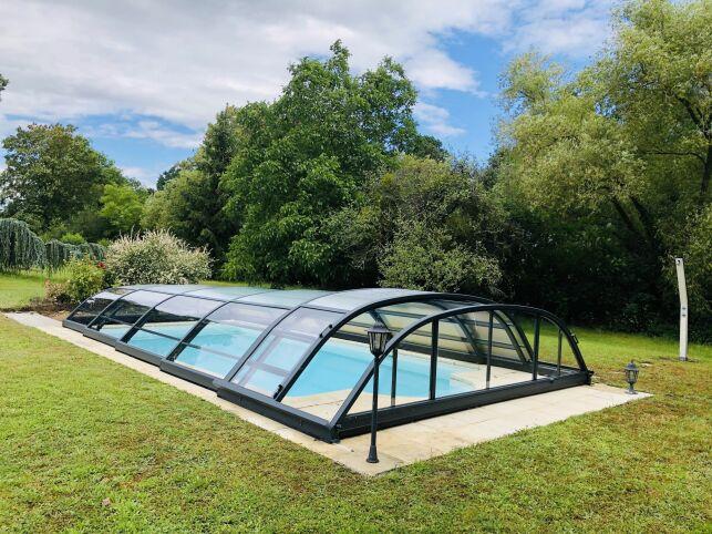 Abri de piscine par EC'Création