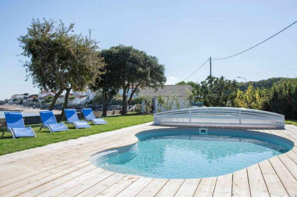 Abri de piscine par Waterair© Piscines Waterair